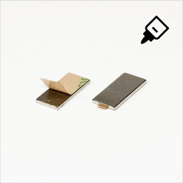 20x10x1,5mm - N35 NdFeB Quader Magnet mit 3M Tab - NiCuNi - Nord