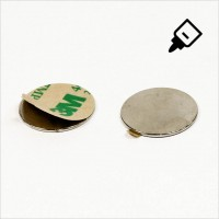 D22x1mm - N42 NdFeB Scheiben Magnet mit 3M Tab - NiCuNi - Nord
